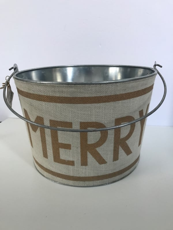 New w/Tags!  MUD PIE Holiday Metal Beverage Bucket Party 0