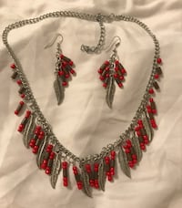 Feather beaded necklace  Euless, 76040