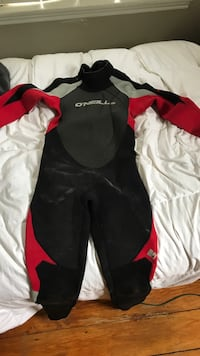O'Neil wetsuit size 16, worn about 4-5 times Bedford, B4A 1X2