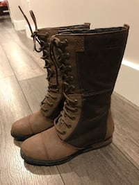 Sorel boots size 7 *NEW*