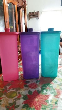 3 plastic containers with spout