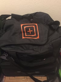 Excellent thing threshed and durable large black luggage back. Perfect for the gym, of everyday adventures. Please message if interested. Moving today. Need to sell it. Thank you! Las Vegas, 89121