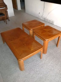 Coffee table and end tables Saint Clair Shores, 48080