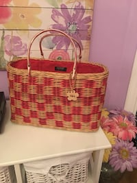 Esprit Wicker Bag! Surrey, V3W 6E9