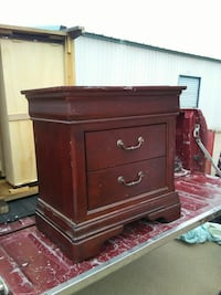 Very nice brown wooden 2-drawer nightstand