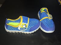 Toddler size 9-10 water shoes  Kettering, 45440