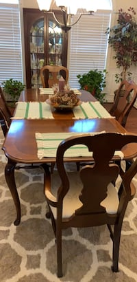 Dining Room Table and 4 chairs Reisterstown, 21136