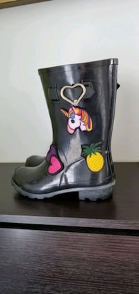 Rain boots for child size 2