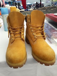 pair of brown Timberland work boots Los Angeles, 91331