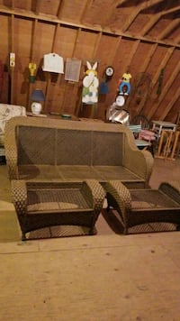 wicker couch/ottomans