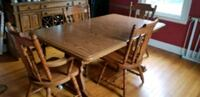 Dining Room Table w/4 Solid Wood Chairs New Britain, 06053