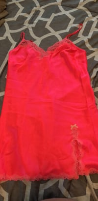 Hot pink Victoria secret night gown size S Calgary, T2G