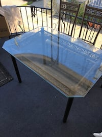 Glass table with 4 chairs  Yonkers, 10705