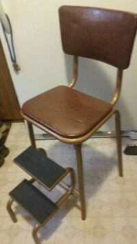 Vintage  step stool- Seat Mertztown, 19539
