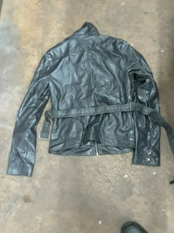 leather jacket mint condition for $30 36a2ddb3-d376-4b94-8704-21d8baed2eab