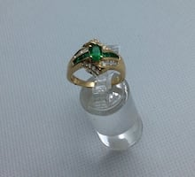 14kt yellow gold ring with emeralds and diamonds size 8 5.2 total weight