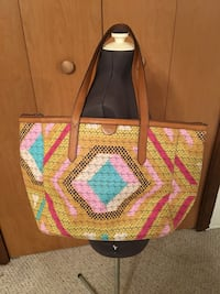 Super cute Fossil tote- like new!