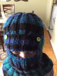 Handmade winter warm knitted hat Toronto, M3C 1A2