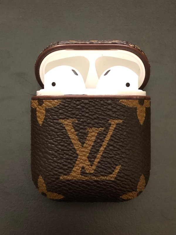 Brukt Louis Vuitton Airpod Case *Airpods Not Included Til Salgs I