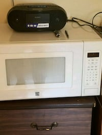 white General Electric microwave oven Saint Charles, 63301