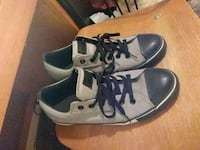 pair of gray-and-black low top sneakers Temple, 76504