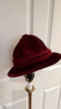 Vintage Velour Hat Pointe-Claire