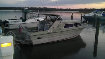 22 Cruisers Mackinac with trailer 150 hours,Trades possible. B/O