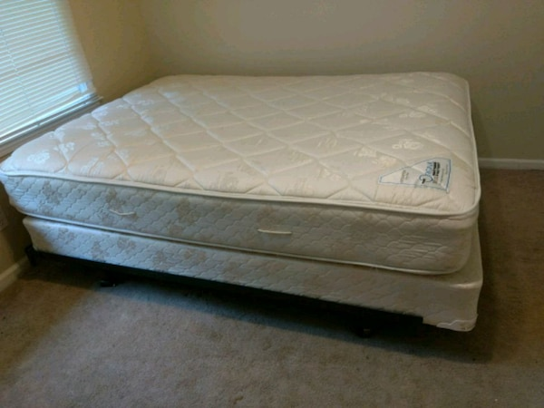 Used Sealy Queen Size Mattress And Box Springs For In Austell