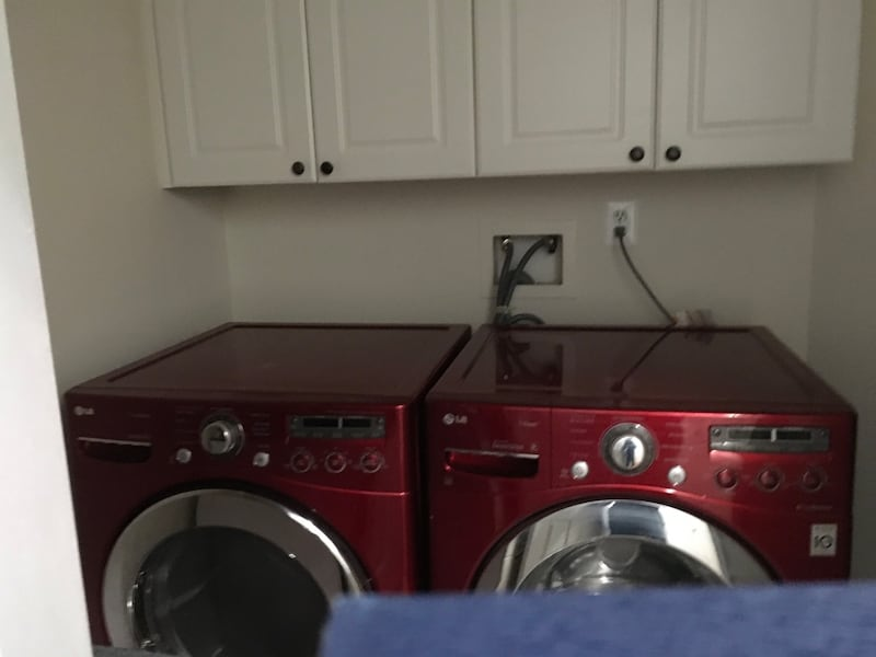 "LG 27"" Red Stainless Washer/Dryer Pedestal Plus Storage Drawer Set bcc81015-667e-4f98-af29-0830ccc3b542"