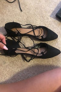 Flats siZe 8 never been worn Pickering, L1V 7H5