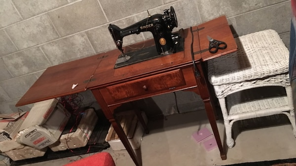 Used Vintage Singer Sewing Machine For Sale In Belle Vernon Letgo Fascinating Vintage Singer Sewing Machine For Sale