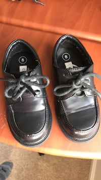 Size 8 toddler shoes in black  Herndon, 20170