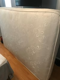 Full Mattress with Box & metal bed frame  Largo