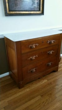 brown wooden 3-drawer chest Germantown, 20874