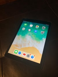 Apple Ipad Air 64Gb cellular and wifi Waterloo, N2L 1T5