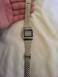 square silver analog watch with link bracelet Montréal, H8R 2A7