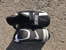 Nike Junior Medium Hockey Elbow Pads