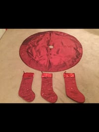 Tree Skirt with 3 Stockings! Like New  Milton, L9T 2R1
