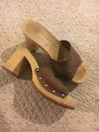 pair of brown leather open-toe wedges Alexandria, 22303