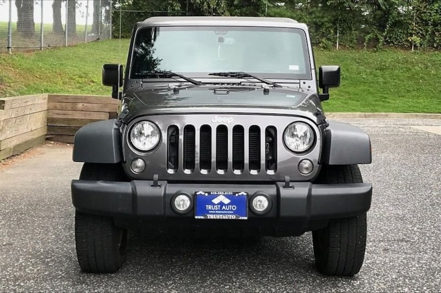 Jeep Wrangler Unlimited 2017 6d95c581-a2f4-4440-a351-ab9ce80b5244
