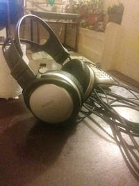black and gray corded headphones Fort Smith, 72901