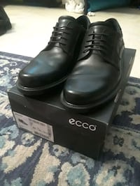 Mens New With Box Ecco Dress Shoes Size 10.5