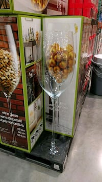 Giant wine glass  Fort Erie, L2A 1B5
