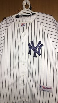 Yankees jersey medium/large Calgary, T2Y