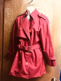 Petite size 8? lined maroon short trench coat. Edmond