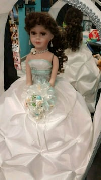 Quenceniras Doll / Bible and Bouquet