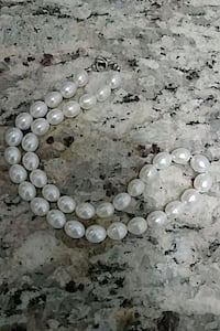 Pearl necklace Barrie, L4M 5B8