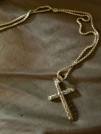 10k gold chain necklace with cross pendant Hampton, 23663