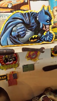 Batman lunchbox  1200 mi