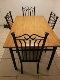 Kitchen Table with 4 chairs Fort Myers
